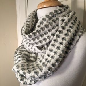Echo Gray white loop infinity knit scarf